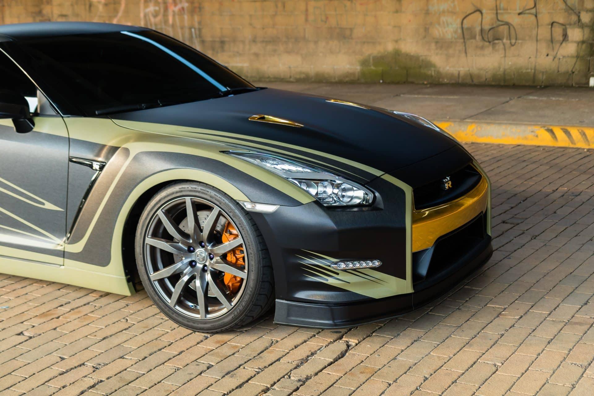 Custom Nissan GTR Live...
